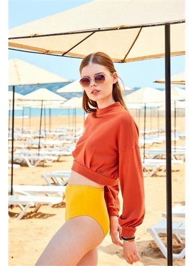 Latin Quarter Yüksek Yaka Pili Detaylı Crop Regular Fit Sweatshirt Renkli